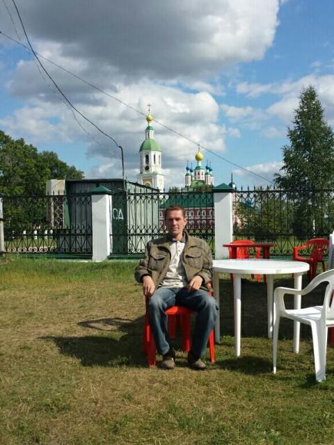 Эдуард, Россия, Темников, 47 лет, 1 ребенок. Хочу найти Человека(женщину)который так же как и я верит, что чувства любому возрасту покорны.