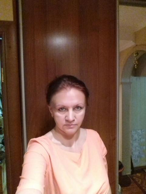 Ирина Коробова, Россия, московская область, 44 года, 1 ребенок. Хочу найти Хотелось бы видеть рядом с собой мужчину: без финансовых и жилищных проблем, уверенного в себе, добр