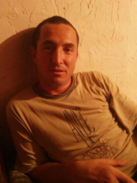 ВАНЯ КОТЕЦ, Молдавия, Каушаны, 28 лет, 1 ребенок. Знакомство с отцом-одиночкой из Каушаны