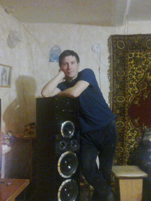 сергей, Россия, Саратов, 26 лет. Хочу найти хочу найти девушку для серьезных отношений лет 20-25 вот мой номер 89378070741 звоните пишите