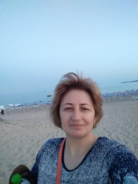 Света, Россия, Москва, 48 лет, 2 ребенка. Хочу найти Спокойного, уравновешенного мужчину , свободного от отношений с другими женщинами. Уставшего от один