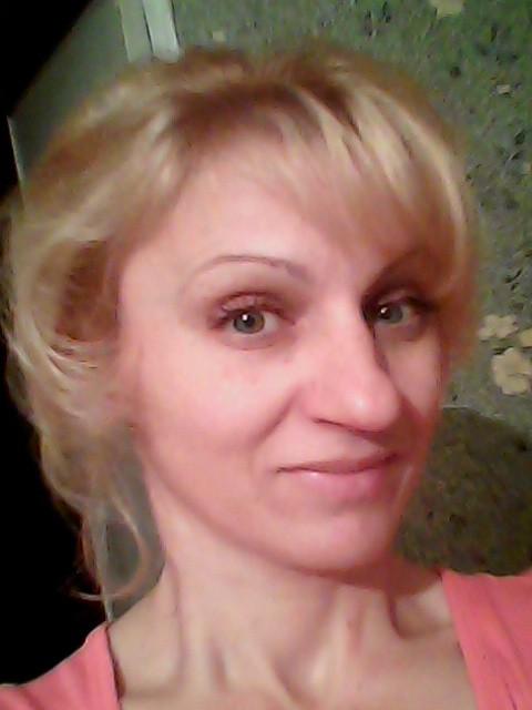 Катрин, Россия, Москва, 40 лет, 3 ребенка. Я живу одна с сыном, добрая , люблю, порядок, весёлая, сейчас занемаюсь воспитание сына, снимаю жиль
