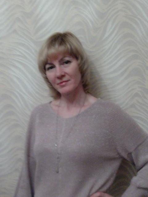 Светлана, Россия, Пенза, 47 лет, 2 ребенка. 47лет)) два сына 23г. и 8лет.. люблю активный отдых. природу. путешествия. работаю в аптеке. хочу тё