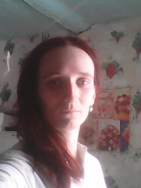 Ангелина, Россия.г.юрга,кемеровская .обл., 24 года, 2 ребенка. Не работую, сижу с маленьким ребёнком дома, сыну годик и дочки 4 года познакомлюсь для серьёзных отн