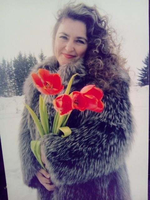 Светлана, Красноярский край , 40 лет, 2 ребенка. Хочу найти Ищу верного, надежного, нежного, доброго, внимательного без в/п , для создания семьи.