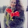 Я и мои тюльпаны,первые цветы подаренные моим сыном .День 8 марта.