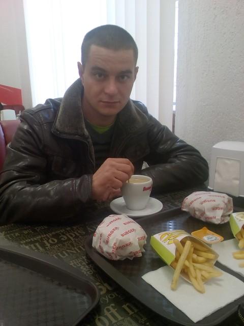 Андрей Яцентюк, Россия, Бахчисарай, 26 лет. Хочу познакомиться