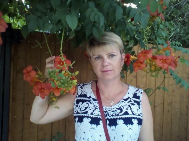 марина, Россия, Мичуринск, 44 года, 1 ребенок. Я разведена, устала от постоянных пьянок и неуважения. Его измена поставила окончательную точку.