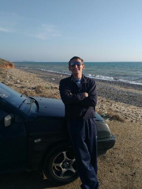 Андрей Писаревич, Россия, Симферополь, 27 лет. Хочу найти конечно хотелась бы чтобы была верная, симпотичная! с хорошим чувством юмора)ну и само собой общител