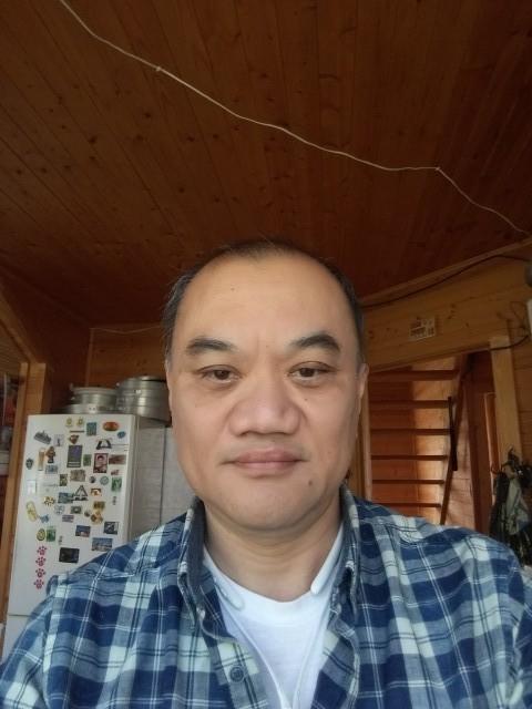 Эдуард, Россия, Москва, 52 года, 2 ребенка. Не пью. Не курю. Не скандальный. Работаю руками и головой