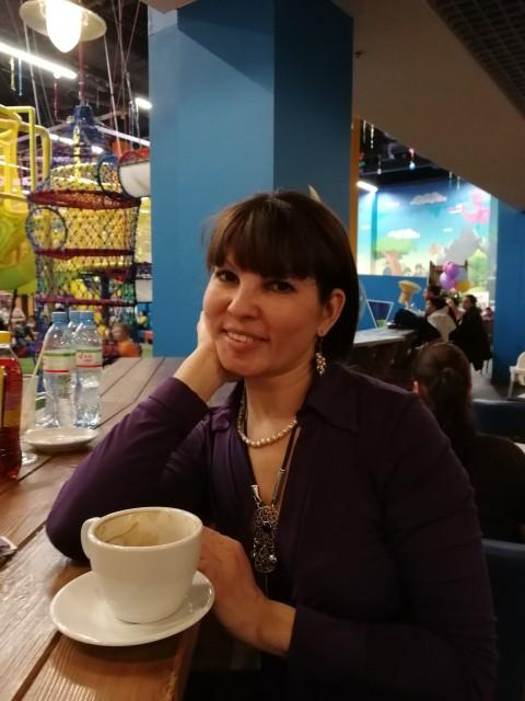 Алена, Россия, Москва, 34 года, 3 ребенка. молодая, интересная, подвижная, легкая на подъем, без вредных привычек, в стадии развода----ожним сл