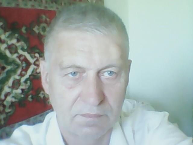 Олег, Украина, Киев, 53 года. Хочу найти      Нравятся красивые, всесторонне развитые, интеллигентные, и знающие себе цену, женщины и девушки