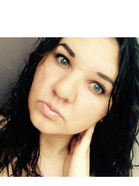 """Екатерина, Россия, Москва, 30 лет, 1 ребенок. Я веселая и заботливая мама , не люблю слово """" одиночка """", рядом мой ангел , хочу дружную"""
