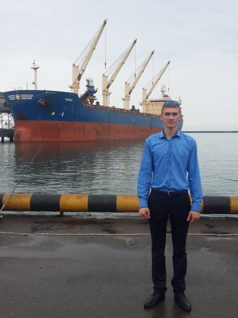 Леонид, Россия, Краснодар, 24 года. Познакомлюсь для серьезных отношений и создания семьи.