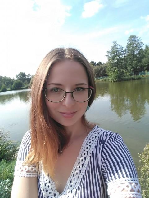Ксения, Беларусь, Минск, 25 лет, 1 ребенок. Ищу друга, любовника и отца в одном лице. Я открытая, веселая и умеющая идти  навстречу. Есть дочка,