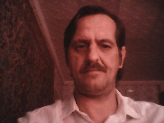 Виталий, Саратов., 42 года. Хочу найти Красивую, порядочную, понемающию, девушку 39-42 лет.