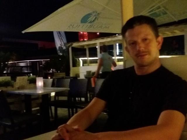 sascha79, Германия, Пфорцхайм, 39 лет. Хочу найти Любовь и жизнь - они неразделимы... Познаешь счастье - запоет душа... Соединив все это воедино - Пой