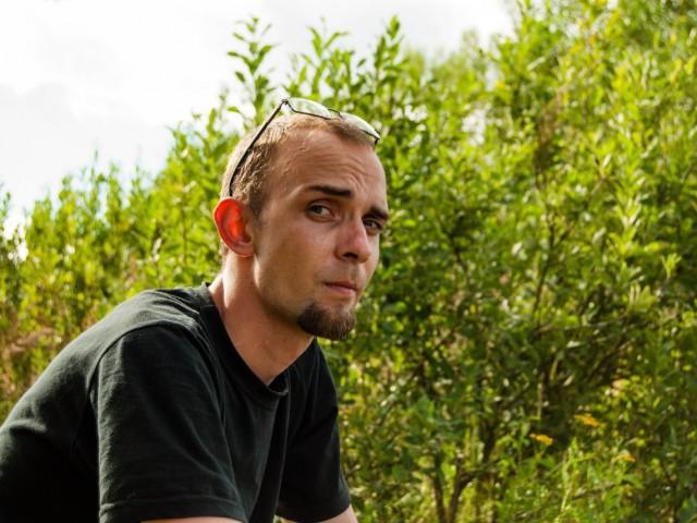 Александр, Беларусь, Минск, 28 лет. Сам не из Минска, работаю, снимаю жильё. Скучно и хочется общения, а дальше как пойдет