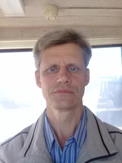 Александр, Россия, Санкт-Петербург, 45 лет. Хочу найти Красива женщина та, у которой красива внутренний её мир. Да и муж. делает свою жен. красивой, а это