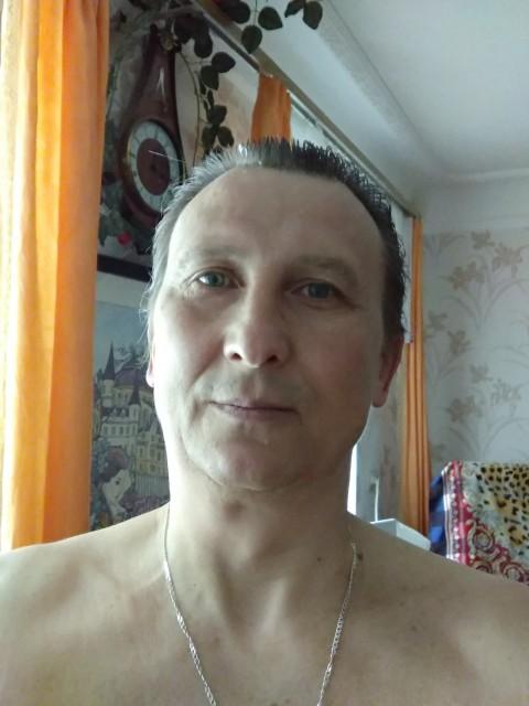 Михаил, Россия, Ростов-на-Дону, 45 лет. Моложав,энергичен, спортивен, образован,позитивен, люблю жизнь во всех ее проявлениях. Способен дари