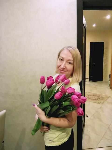 Ольга, Россия, Москва, 46 лет, 1 ребенок. Хочу найти Внимательного , заботливого , с чувством юмора. Без алкогольной и компьютерной зависимости.