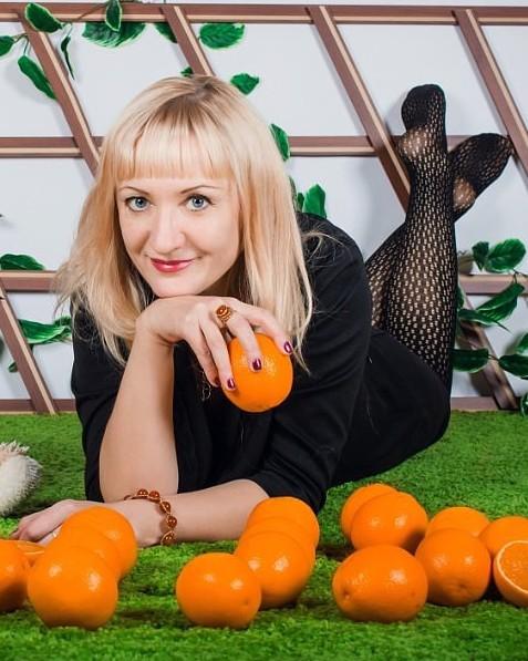 Анна, Россия, Иркутск, 45 лет. Хочу найти Возможно  с вдовцом имеющим детей.