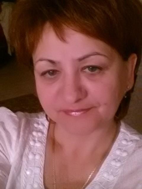 Елена Савченко, Беларусь, Брест, 54 года, 3 ребенка. Хочу найти Состоявшегося порядочного мужчину, который умеет любить и уважать свою спутницу.