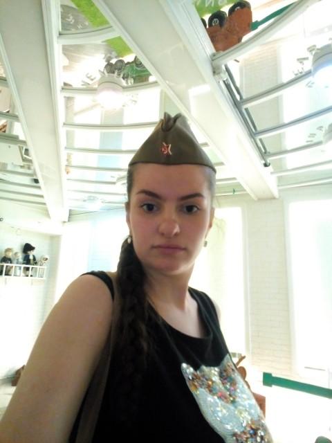 Анна, Россия, Санкт-Петербург, 24 года, 2 ребенка. Привет, хочу познакомится с целью общения для начала. С мужчиной 30-35 лет. Есть два ребенка 3г одно