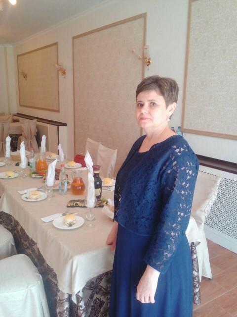Людмила, Россия, Самара, 45 лет, 1 ребенок. Хочу найти хочу встретить мужчину за которым бы я была как за каменной стеной во всех отношениях: в материальны