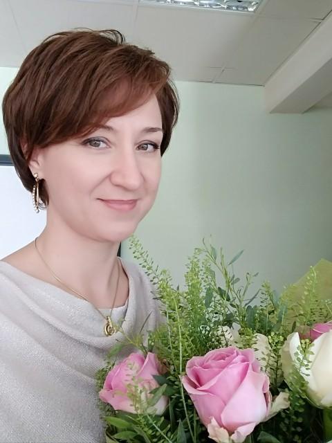 Елена, Кипр,  Лимассол, 43 года. Хочу найти Открытого, честного, с чувством юмора, для создания семьи...