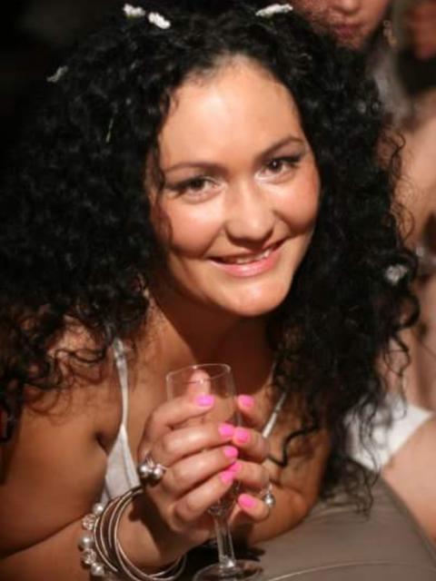 Дианна, Россия, Санкт-Петербург, 41 год, 1 ребенок. Хочу найти Интересного и откровенного, надежного и сильного.