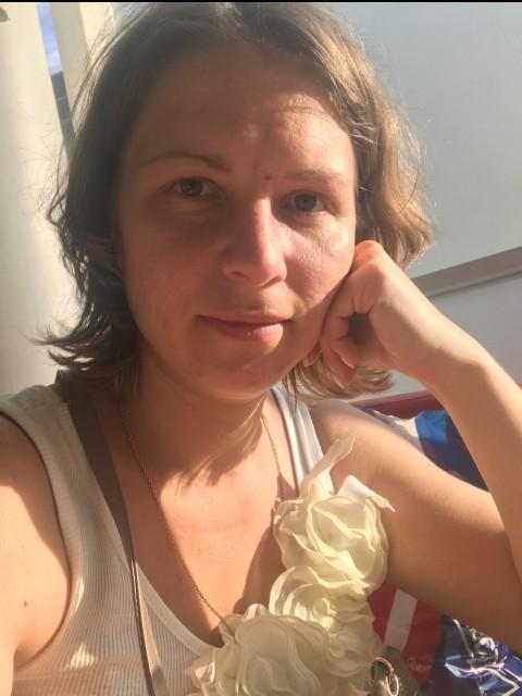 Евгения, Россия, Москва, 35 лет. Я мама 2 детей, много работаю, свободное время все уделяю детям. Хочу встретить мужчину с ребенком д