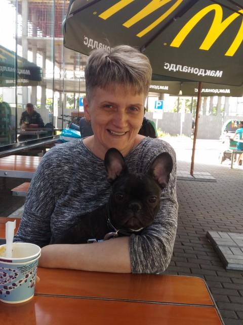 Марина, Россия, Санкт-Петербург, 43 года, 3 ребенка. Счастлива как мама. Хочется женского счастья.