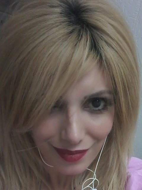 Кристина, Россия, Санкт-Петербург, 35 лет, 2 ребенка. С Высшим образованием юриста , но работаю в сфере красоты ***