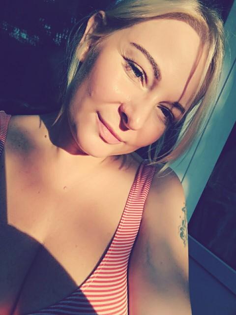 Ксения, Россия, Москва, 35 лет, 1 ребенок. Я мама сына подростка. Самостоятельная, независимая женщина, которая устала и хочет почувствовать се