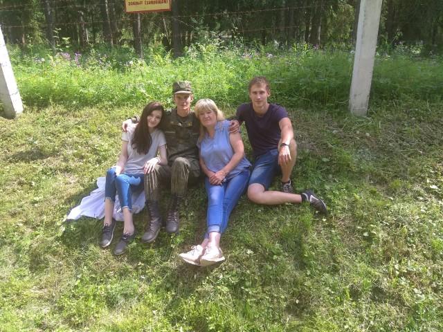 Ольга, Россия, Раменское, 55 лет, 4 ребенка. Обаятельная, весёлая, вкусно готовлю, шью, люблю огород , люблю заниматся домашним хозяйством. Дети