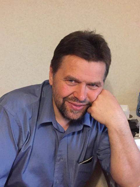 Василий, Россия, Москва, 49 лет. Я хочу добрых, хороших отношений.  Люблю детей. Открыт для общения.