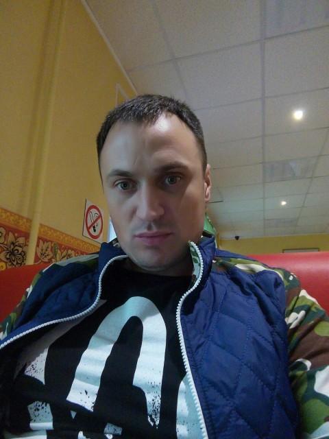 денис, Россия, Москва, 33 года. 33 года . есть дочка 4. 5 г. мамы нет . ищу жену и маму своей красавице дочке.