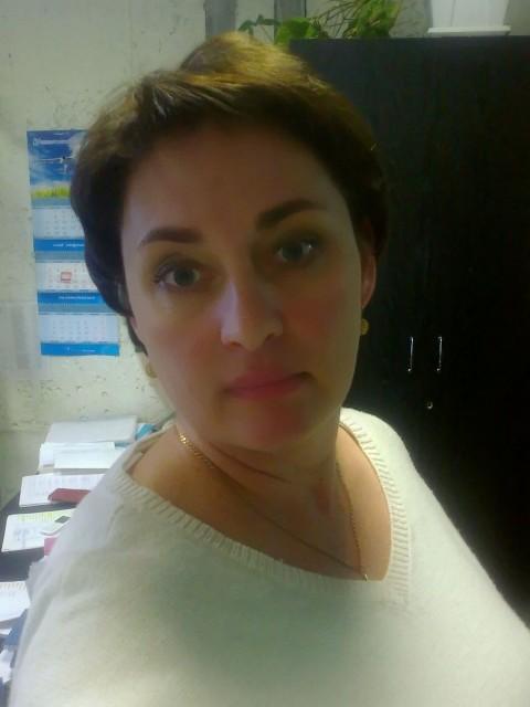 Дина, Россия, Ульяновск, 41 год. Я работаю в авиации много лет.  Люблю хорошую музыку, танцевать, вкусную еду, новые впечатления.