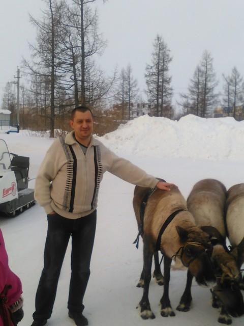 александр, Россия, Новый Уренгой, 45 лет, 2 ребенка. Хочу найти Это сложно. Домашнюю и простую. Не глупую и добрую. Просто хорошую.