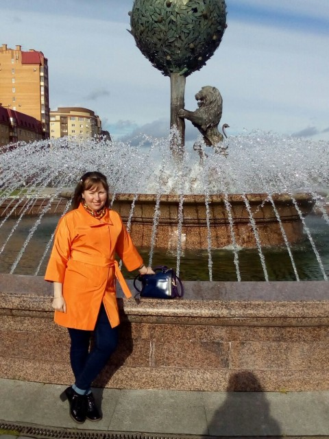 Лариса, Россия, Санкт-Петербург, 40 лет, 1 ребенок. Хочу найти Нормального, без вредных привычек. Не курящего и не пью щего. Возраст имеет значение