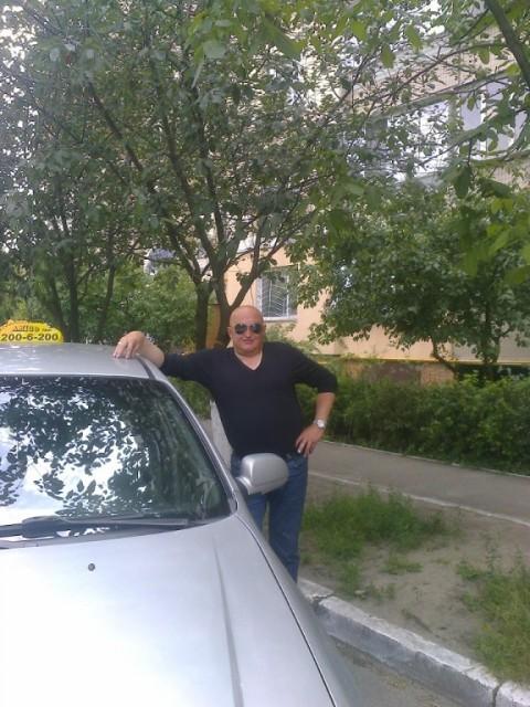 Владислав, Украина, Киев, 48 лет. Он ищет её: познакомлюсь с женщиной среднего телосложения, не склонной к полноте.