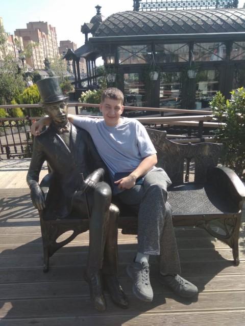 Олег, Россия, Москва, 34 года, 1 ребенок. Хочу найти Ту.. которую любишь и которая любит тебя.. этим все сказано.