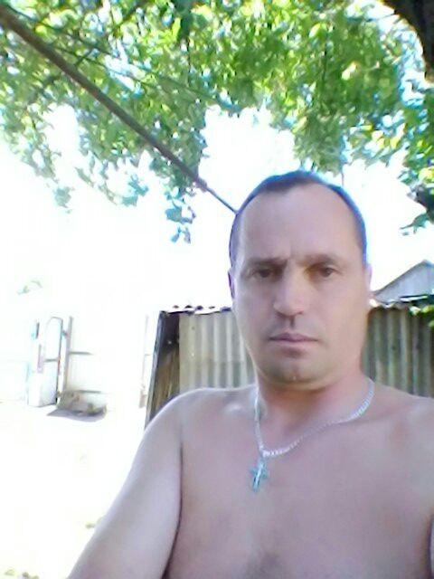 Георгий, Россия, Курск, 44 года. Он ищет её: Интересную , не полную  девушку, для серьёзных отношений.