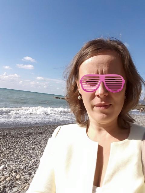Елена, Россия, Москва, 45 лет, 1 ребенок. Спокойная, упрямая, из вредных привычек только мужской характер. Люблю сама принимать решения, но ну