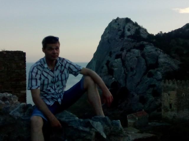 Александр, Россия, Симферополь, 34 года, 1 ребенок. Хочу найти Простую девушку, у которой на первом месте будет семья, а не тусовки, клубы и друзья.