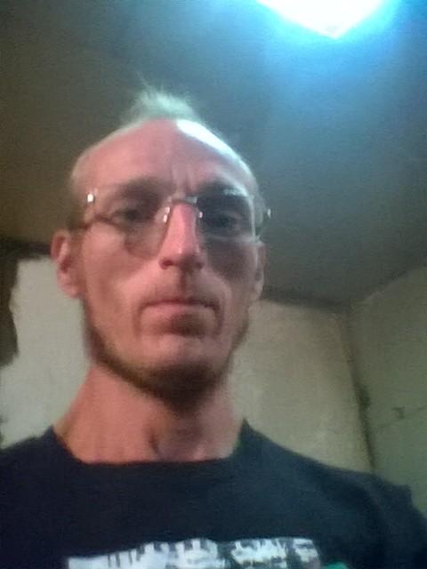 Алексей, Россия, Кемерово, 43 года, 1 ребенок. Скромный  парень  люблю музыку 80-90 ремонтирую автомобили не курю и не пью спиртных напитков