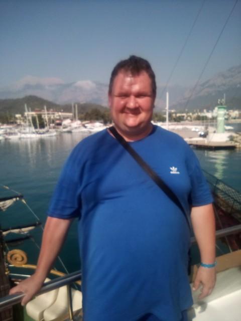 Руслан, Украина, Львов, 43 года. Хочу найти Есть такое прекрасное чувство как любовь. Лишь только она скрашивает этот серый мир. Делает людей сч