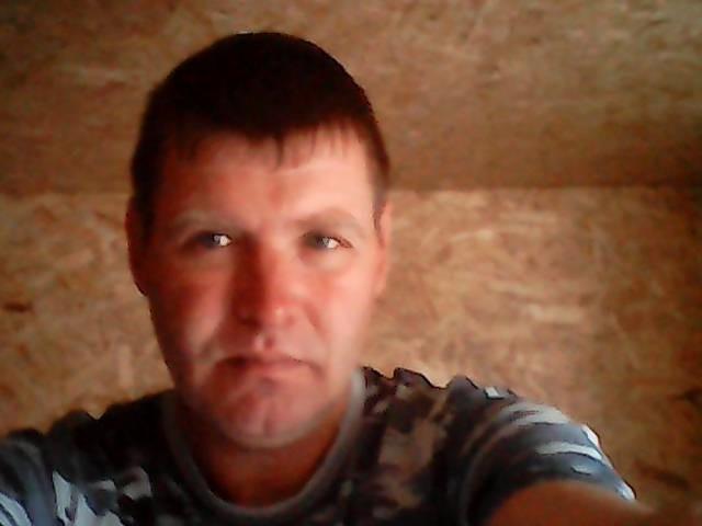 Дмитрий, Россия, Нягань, 41 год. Характер спокойный не скандальный, дети есть живем раздельно взрослые.