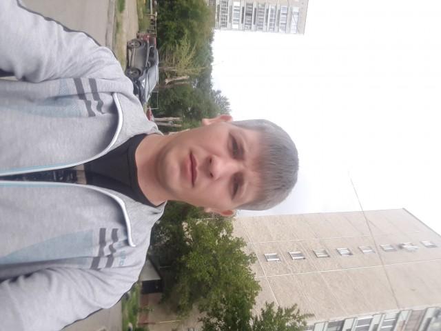 Валентин, Россия, Екатеринбург, 30 лет. Ищю девушку 28-33 года для создания семьи